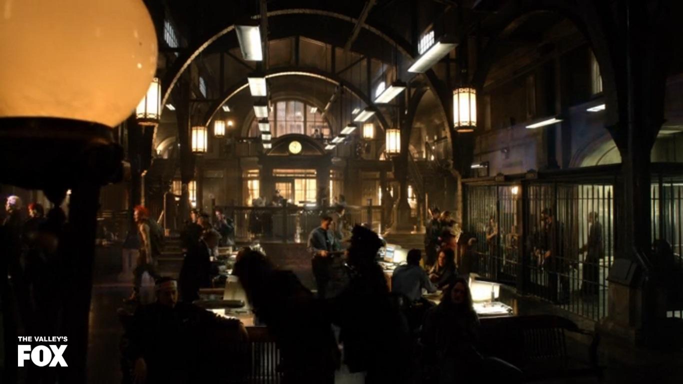 Super Recaps Gotham Episode 1 The Reviewers Unite