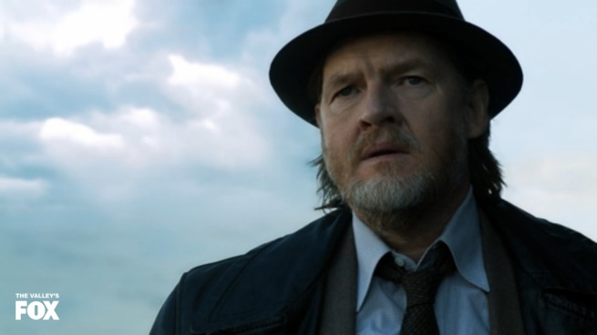 Say what you will about Donal Logue. He can act CIRCLES around that block of wood they got to play Gordon.