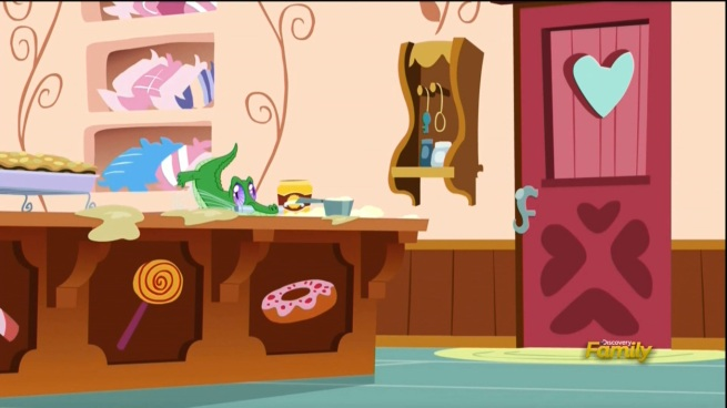 YOU'RE SLACKING GUMMY!! PINKIE IS GONNA BE VERY DISAPPOINTED IN YOUR PERFORMANCE!!