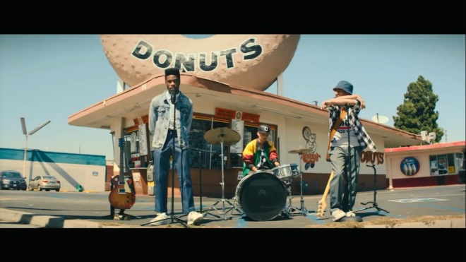 Speaking of the band, the music in this film is FANTASTIC!!  I REALLY want to get the soundtrack!!  AWREEOH FOR LIFE!!!!